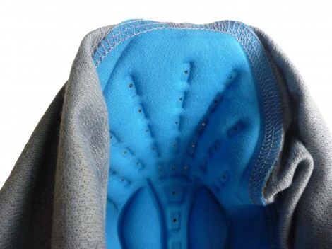 Ventilated off-road chamois