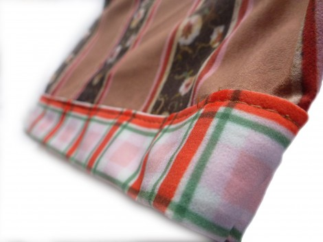 Right sleeve detail