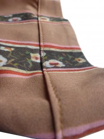 Left sleeve detail